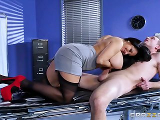 Brazzers - Ava Addams - Water down Adventures