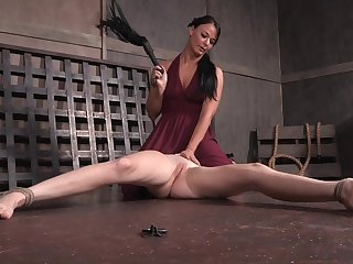 Teen Ashley Lane loves getting spanked and painful by London Geyser