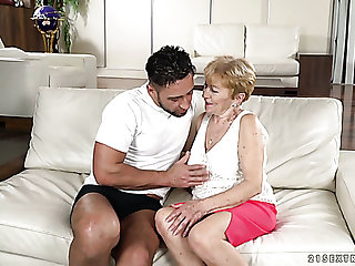 Flabby bodied wrinkled matured whore Malya gets her matured cunt fucked mish
