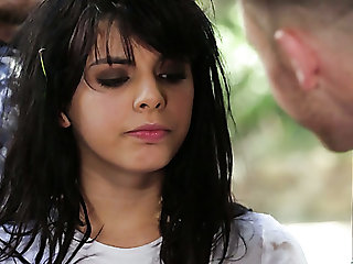 Fucking hot chick Gina Valentina provides the brush man with an unforgettable sex