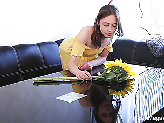 Slim spread out with explicit ribs uses a glass dildo in the matter of pet her pussy a bit
