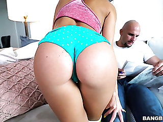 Megan Rain lures bald constrained BF of the brush best friend to suck his dick